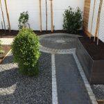 Gartengestaltung:Wege aus Naturstein, Hochbeete,Kies