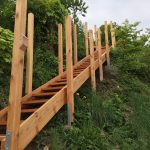 Holztreppe aus Naturholz (Lärche)